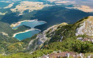 letnji booking smestaj priroda aktivnosti obilasci kolima pesacke ture hiking planina durmitor grad zabljak crna gora crno jezero