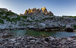 letnji booking smestaj priroda aktivnosti obilasci kolima pesacke ture hiking planina durmitor grad zabljak crna gora jezero zeleni vir vrh zupci