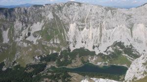 letnji booking smestaj priroda aktivnosti obilasci kolima pesacke ture hiking planina durmitor grad zabljak crna gora skrcko jezero planinski vrh prutas