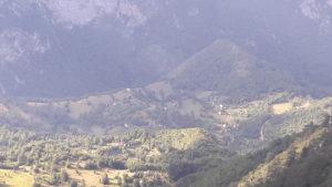 letnji booking smestaj priroda aktivnosti obilasci kolima pesacke ture hiking planina durmitor grad zabljak crna gora selo tepca kanjon tare