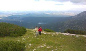 letnji booking smestaj priroda aktivnosti obilasci kolima pesacke ture hiking planina durmitor grad zabljak crna gora crno jezero vrh crvena greda