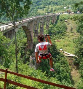 letnji booking smestaj planina durmitor grad zabljak crna gora most na tari kanjon tare zip line lining